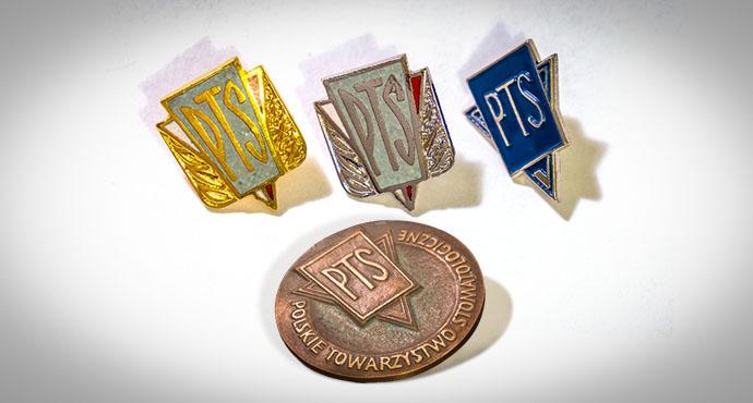 Dla kogo Godności i Odznaki PTS?