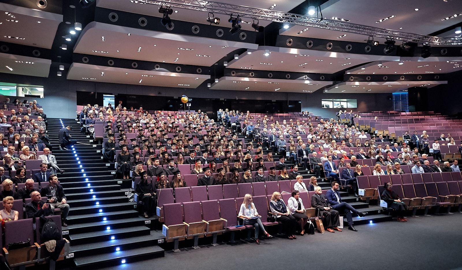 Łódź: dyplomy (i nie tylko) rozdane