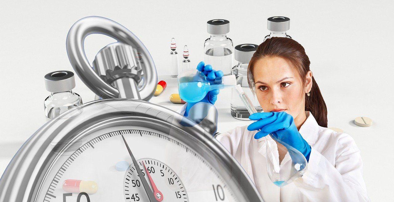 Komisja Europejska, WHO i naukowcy o tym kiedy można spodziewać się leków i szczepionki przeciwko COVID-19